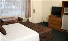 Palms Motel Room - Hotel Double Bed Room Amenities