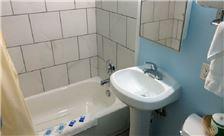 Palms Motel Room - King Room with Jacuzzi Bathroom