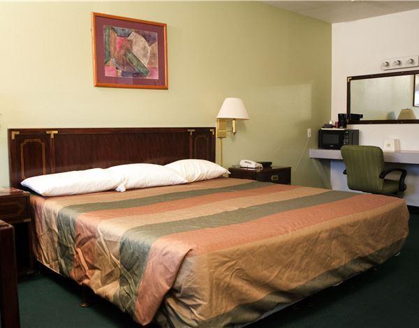 Palms Motel Portland King Room
