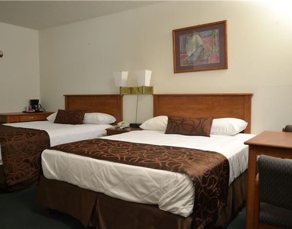 Two Queen Beds from Palms Motel OR